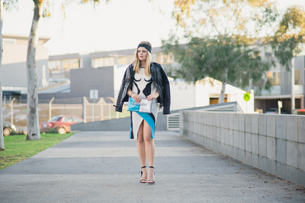 what would karl do blogger top skirt jacket shoes jewels