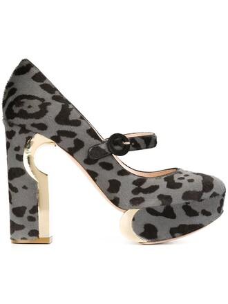 pumps grey shoes