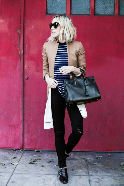 damsel in dior blogger t-shirt jacket scarf shoes jeans