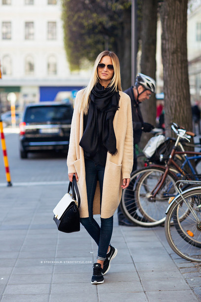 cardigan camel cardigan tumblr camel scarf black. Black Bedroom Furniture Sets. Home Design Ideas