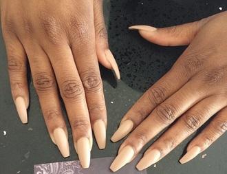 nail polish peach caramel