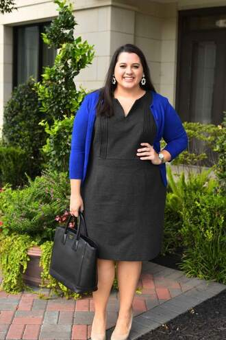 somethinggoldsomethingblue blogger dress cardigan shoes jewels bag handbag black dress fall outfits pumps