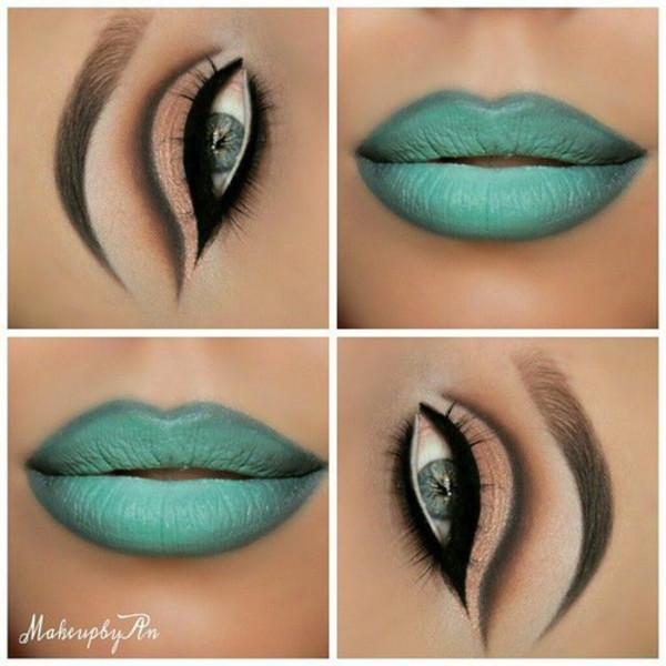make-up blue lipstick