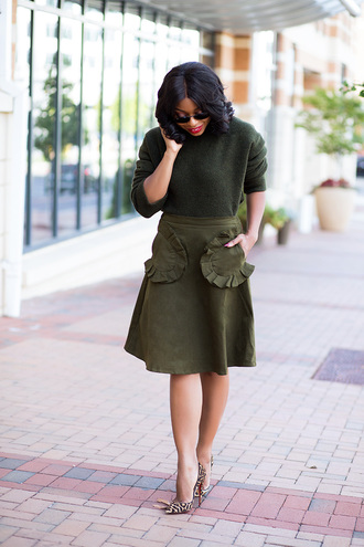 jadore-fashion blogger skirt sweater shoes sunglasses green skirt green sweater animal print high heels high heel pumps thanksgiving outfit ruffle ruffle skirt