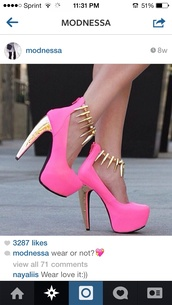shoes,pink spikes,pink,gold,spikes,heels color pumps wedges sexy