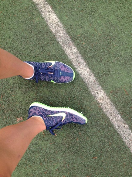 shoes leopard print distance spikes track