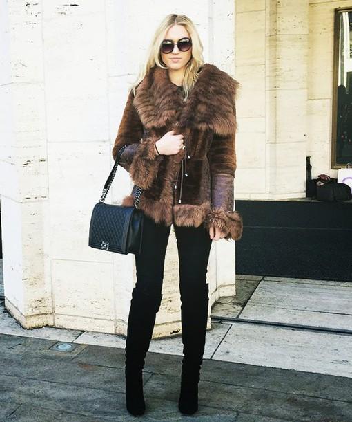 society grl blogger black boots brown leather jacket fur jacket