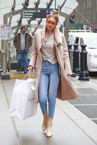 coat jeans gigi hadid model off-duty top winter coat winter outfits streetstyle