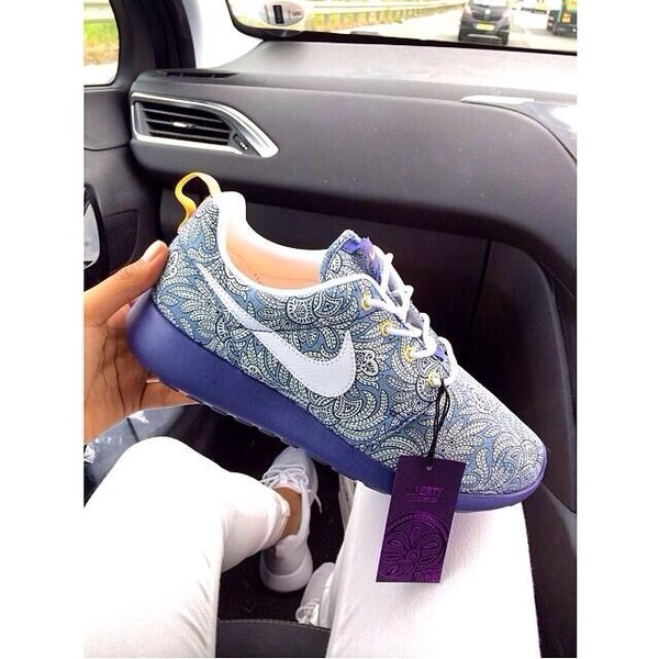 paisley nike sneakers nike printed sneakers print blue sneakers shoes nike roshe run nike liberty print liberty nike roshe run liberty
