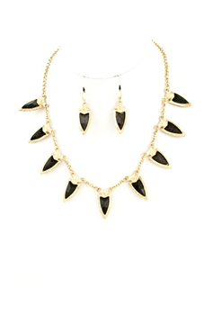 Black Dag Necklace