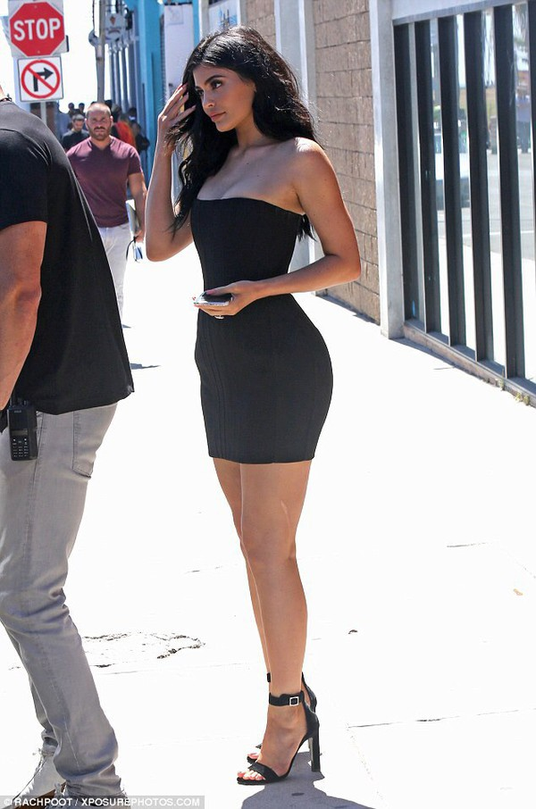 dress kylie jenner black dress short fitted dresses black little black dress strapless strapless dress bandeau mini mini dress kylie jenner dress celebrity celebrity style celebstyle for less kardashians keeping up with the kardashians party dress sexy party dresses sexy sexy dress party outfits sexy outfit summer dress summer outifts spring dress spring outfits classy dress elegant dress cocktail dress cute dress girly dress date outfit birthday dress clubewar clubwear club dress graduation dress homecoming homecoming dress wedding clothes wedding guest engagement party dress romantic dress romantic summer dress