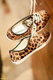 shoes,converse,leopard print,sneakers,panterprint,panter,adorable shoes,converse low
