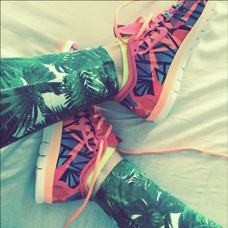 leggings colorful pattern print printed leggings palms palm tree palm leaves green