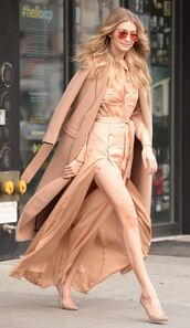 dress,slit dress,shirt dress,camel,nude,nude dress,gigi hadid,fall outfits,pumps,camel coat,coat,maxi dress,model,all nude everything,monochrome outfit
