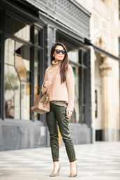 wendy's lookbook,blogger,sweater,bag,sunglasses,cropped pants,leopard print high heels,knitted sweater,turtleneck,winter outfits,top,shoes,jewels