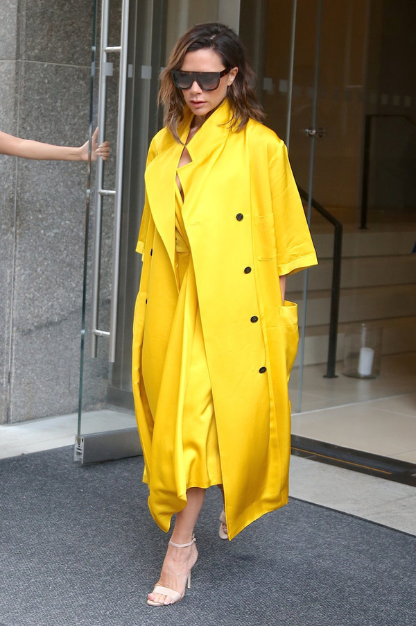 coat yellow yellow coat victoria beckham sandals dress yellow dress midi dress sunglasses shoes