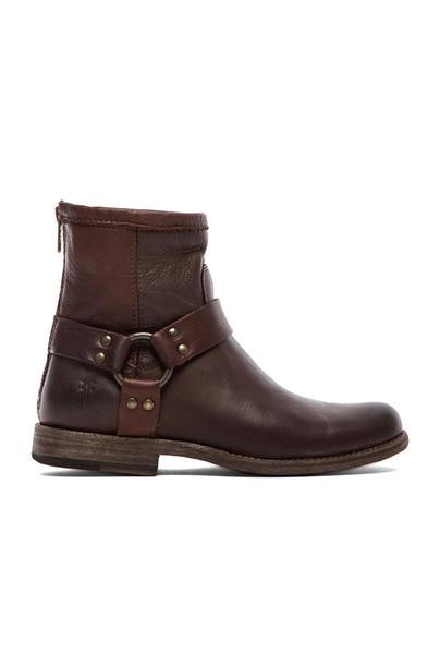 Frye boot brown