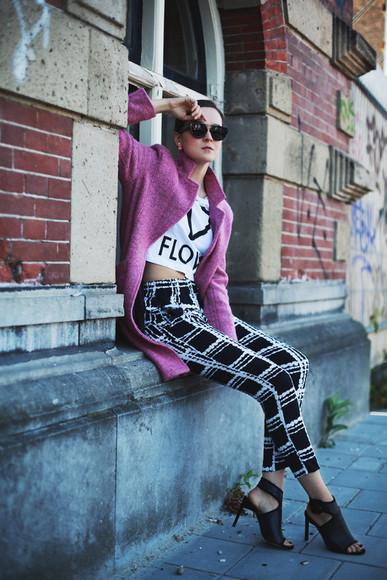 style scrapbook shoes bag t-shirt blogger printed pants
