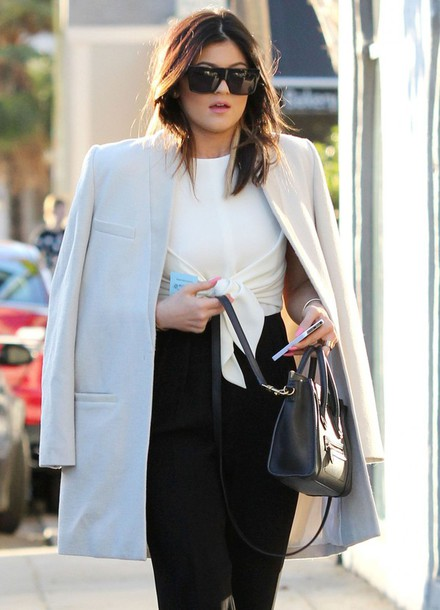 kylie jenner black and white blazer