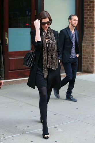 fall outfits anne hathaway shoes dress