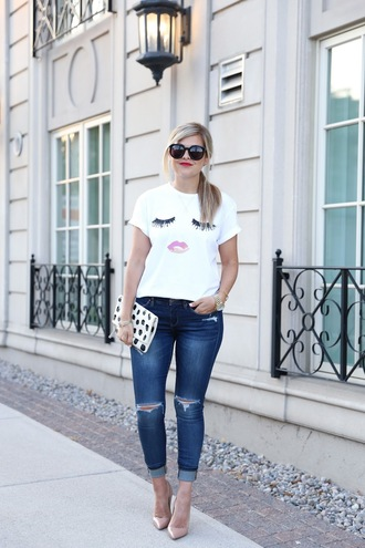 suburban faux-pas blogger t-shirt jeans shoes bag sunglasses jewels face print black sunglasses printed clutch ripped jeans blue jeans cuffed jeans nude pumps high heel pumps pointed toe pumps