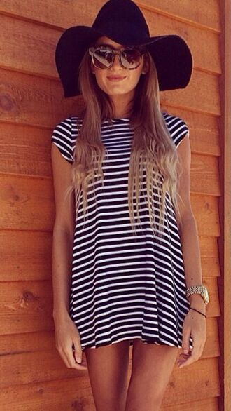 striped dress stripes black and white black and white dress floppy hat black floppy hat sunglasses summer dress dress hat