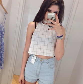 top crop tops black and white cropped graphic tee jeans grunge plaid crop tops style hipster top white t-shirt white crop tops grunge t-shirt