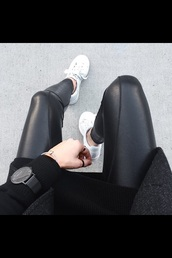 jeans,leather pants,pleather,leggings,leather leggings,black jeans,pants,black pants,black leather pants,cool,cool pants,skinny,skinny pants,sneakers,white shoes,tumblr outfit,black watch,bag,jumpsuit,jewels,black,watch