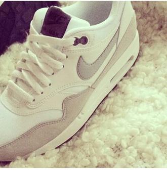 shoes nike white cream nike air sneakers