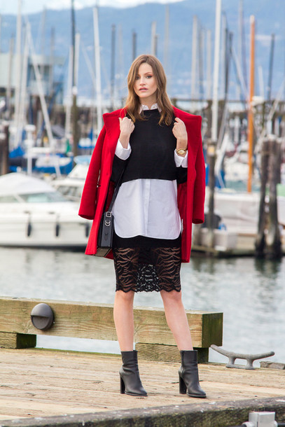 styling my life blogger lace skirt red coat black coat cropped sweater white shirt coat sweater shirt skirt shoes bag jewels
