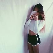 shorts,sportswear,sports pants,sporty,black,white,crop tops,cropped,top,sports shorts