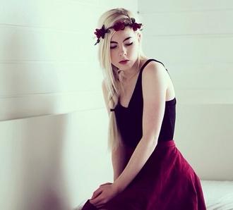 skirt skater skirt burberry flower crown tank top