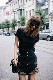 skirt,embroidered denim skirt,black skirt,mini skirt,button up,button up denim skirt,button up skirt,top,black top,bag,black bag,shoulder bag,sunglasses,streetstyle