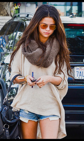 sunglasses,bag,scarf,blouse,selena gomez