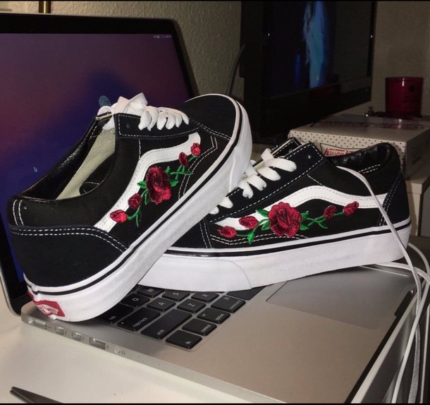 shoes vans black rose flowers floral white oldskool. Black Bedroom Furniture Sets. Home Design Ideas