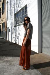 ochre,black and white,skirt,t-shirt,shoes