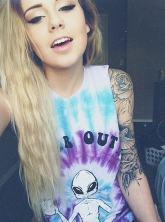 t-shirt pastel tie dye josephine nicole alien grunge edgy cool tumblr tumblr girl tumblr outfit where to get this shirt?