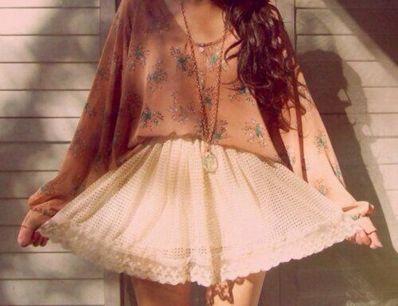 pretty skirt white shirt pale pink pattern top long sleeves lace skirt white lace summer long necklace
