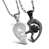 jewels,gullei.com,couples necklaces,jewelry,anniversary gifts,his and hers necklaces,fashion,outfit,cute,beautiful,valentine's day gifts,gift ideas,half heart pendants