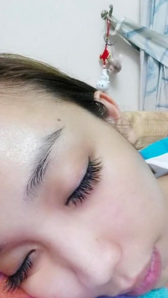 make-up eyelashes