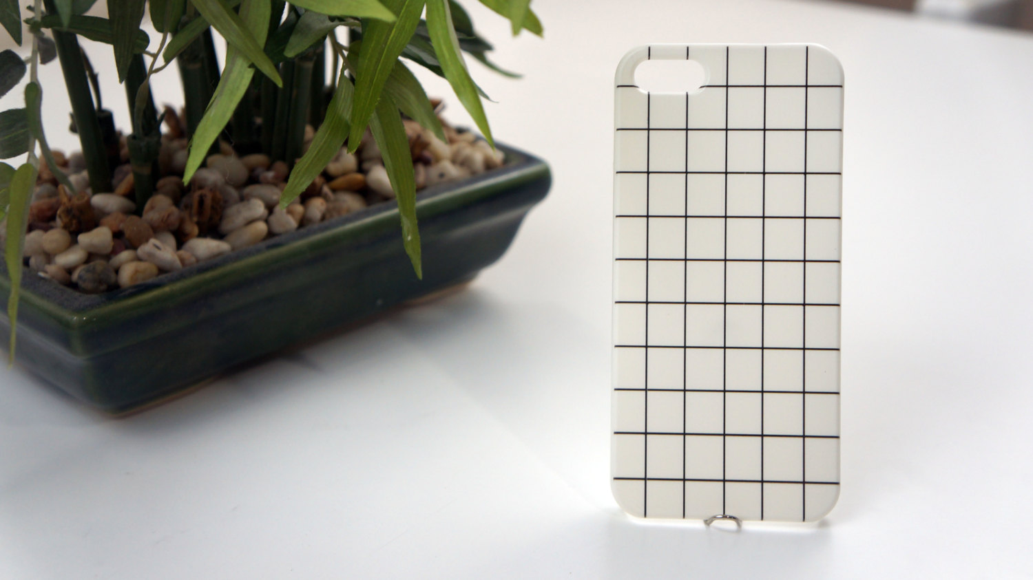 White Gridded Grid Tumblr IPhone 4/5/5S/4S/5C/6 Case Cheap Phone Case