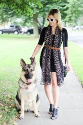 kim tuttle,the knotted chain - a style blog by kim tuttle,blogger,dress,scarf,shoes,belt,bag,sunglasses