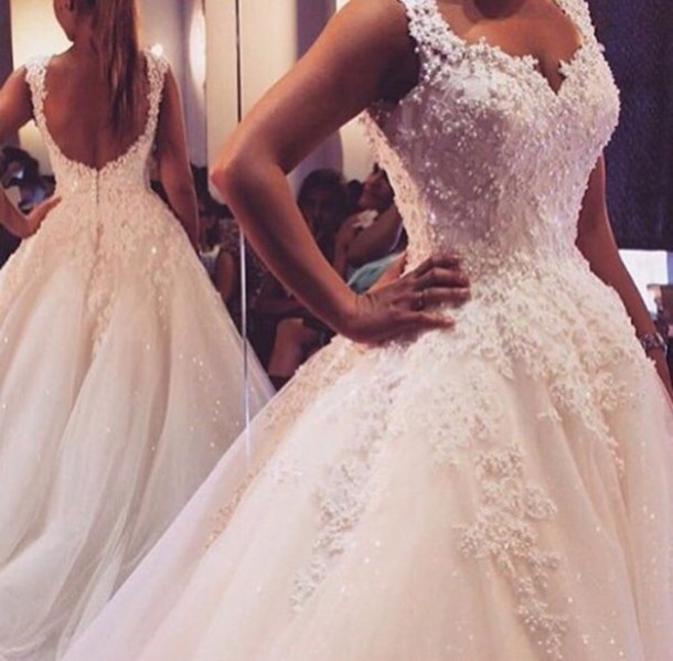 dress wedding dress bridal gown white white dress wedding wedding clothes gorgeous beautiful bride dress ball gown dress ball prom dress prom gown princess dress disney princess princess wedding dresses lace dress 2016 wedding dresses 2016 style scrapbook style princess amazing glitter long dress gown