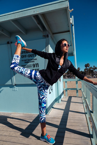 viva luxury blogger leggings sports pants sportswear nike sneakers underwear jacket