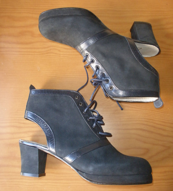 Sling back vintage 1990/1980 boots navy blue high by chicutopia