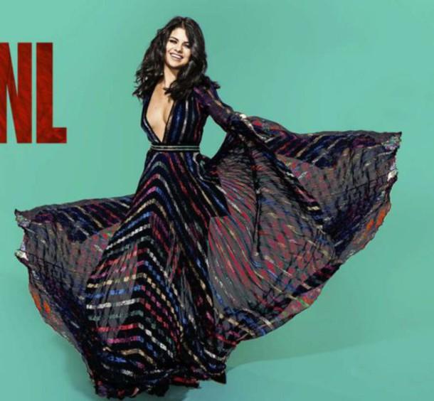 dress, plunge neckline, plunge dress, plunge v neck, selena gomez ...