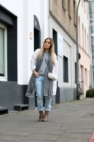 fashion twinstinct blogger ripped jeans python grey scarf