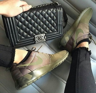 shoes army green nike shoes roshe runs