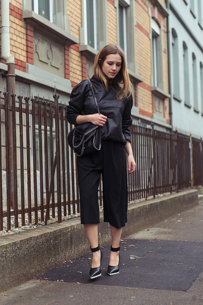 fashion gamble blogger all black everything culottes black sweater black bag sweater bag shoes black culottes