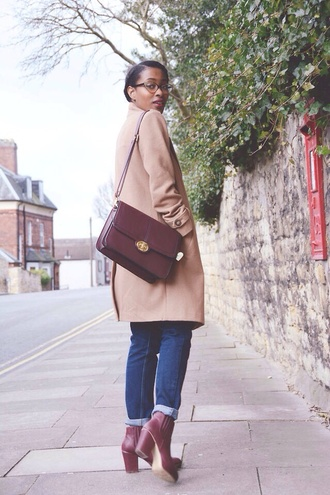 bag heels burgundy briefcase bag briefcase cute nude urban outfitters american apparel aa forever 21 garage brand uniqlo coat shoes